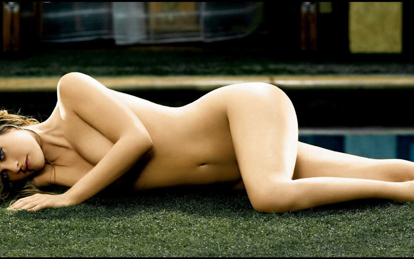 Alicia Silverstone Goes Naked For Peta To End Sheep Cruelty