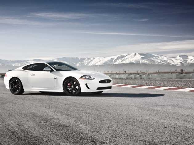 Wallpaper Jaguar XKR Speed and Black Pack 2011