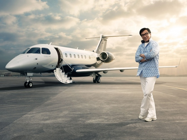 Wallpaper Jackie Chan and Embraer Legacy 500