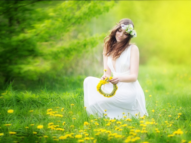 Wallpaper Girl with a Wreath of Dandelions