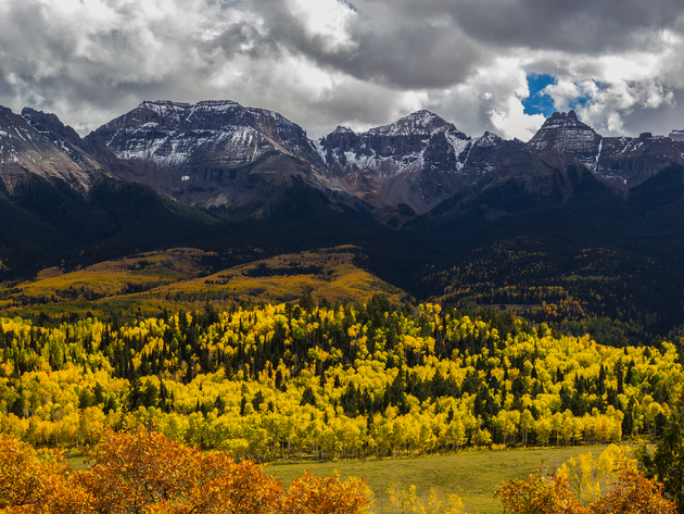 Wallpaper forest, autumn, foliage, mountains, clouds
