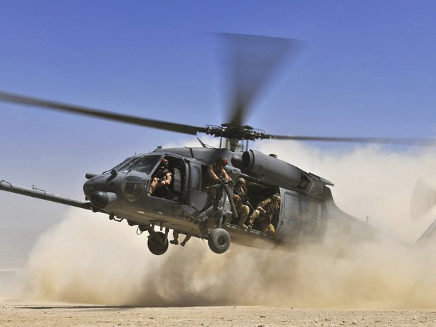Wallpaper sand, helicopter, sikorsky, dust, landing, hh-60, pave hawk