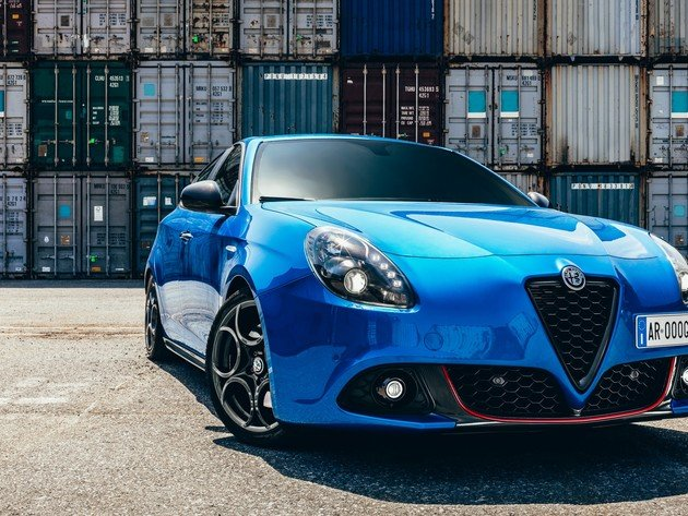 Wallpaper alfa romeo, alfa romeo giulietta, container, blue car