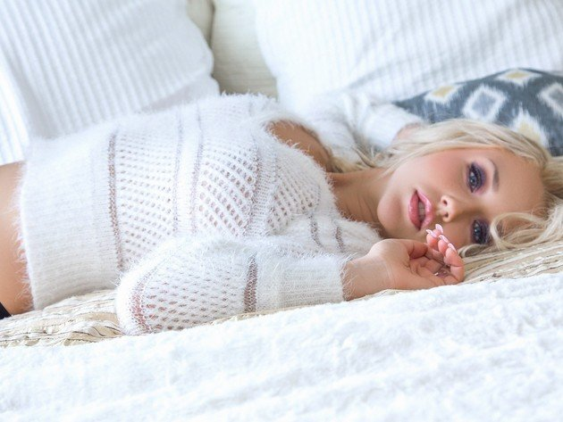 Wallpaper blonde, girl, sweater, bed