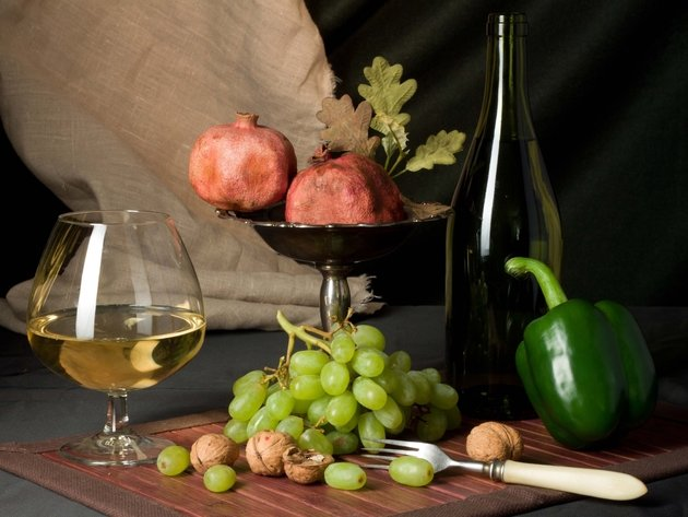 Wallpaper bottle, grapes, fruit, pepper, wine, garnet, food, a glass of wine