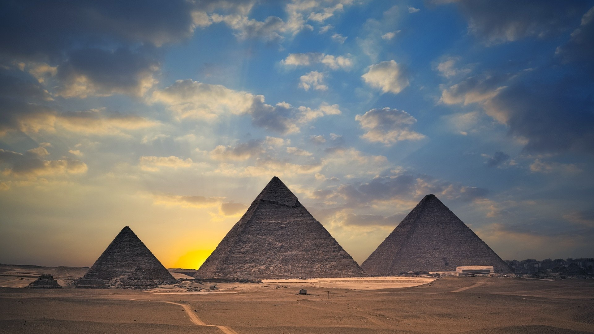 an analysis of the mysteries surrounding the great pyramids of egypt